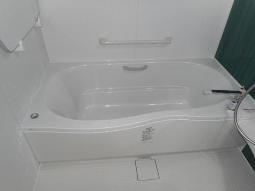 アクセントパネルで爽やかお風呂