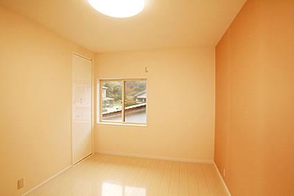 T様邸 窓のない納戸を子供部屋へリフォーム